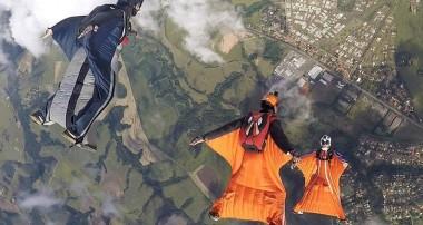 Aniversário de São Paulo terá atletas de Wingsuit voando sobre a Avenida Paulista durante a madrugada