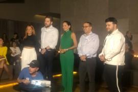 """Gabi Lopes e Nana do reality show """"O Aprendiz"""" concedem entrevista após a conclusão da tarefa do EvoluSampa"""