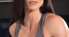 Conheça a multi campeã fitness Gaby Tavares