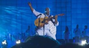Péricles divulga versão exclusiva de 'Ebony and Ivory', clássico imortalizado nas vozes de Paul McCartney e Stevie Wonder