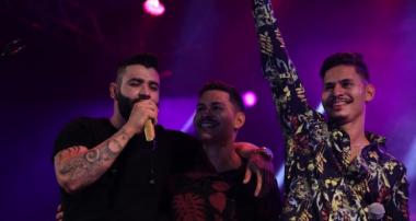 """Gusttavo Lima marca segunda noite de """"Carnaval das Artes"""" com grandes encontros no Rio de Janeiro"""