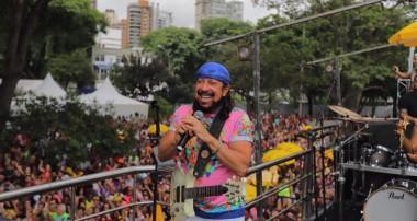 Pela segunda vez, Bell Marques agita as ruas de São Paulo